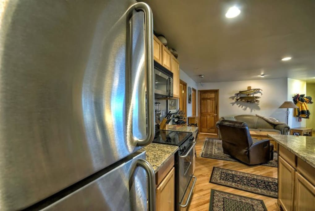 Fully Equipped Kitchen, Stainless Steel Appliances