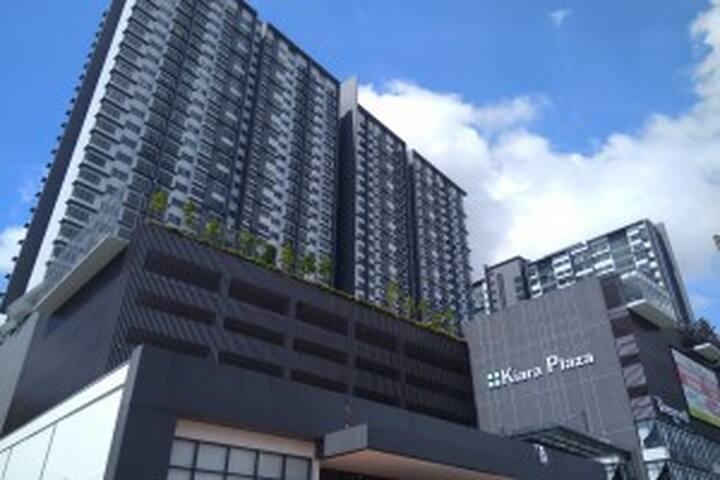 kiara plaza