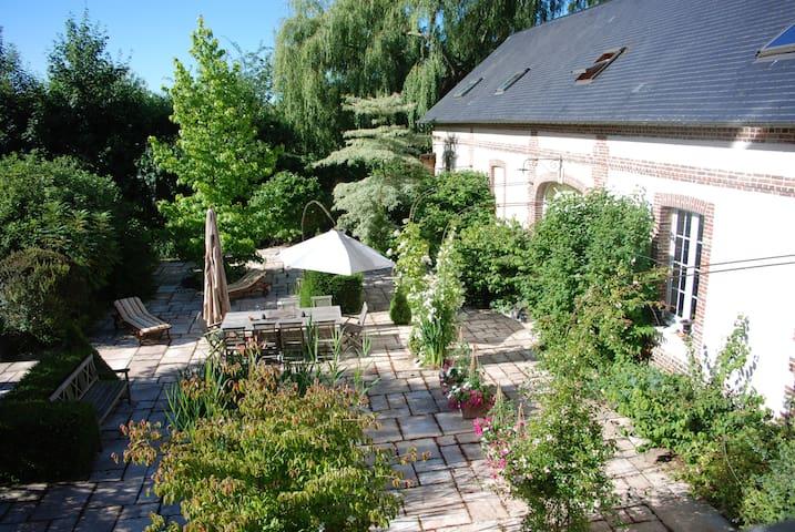 Domaine du Pré aux ânes - STE MARGUERITE SUR FAUVILLE - Bed & Breakfast