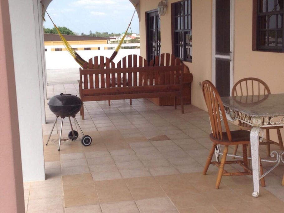 BBQ grill + hammock =  lunch + siesta