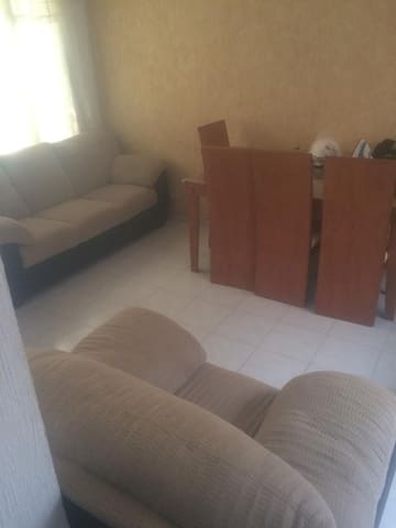 Bonita casa para 5 personas c/cochera, wf, cabletv