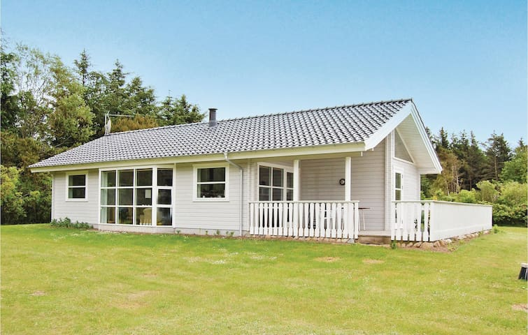 Holiday cottage with 3 bedrooms on 90 m² in Spøttrup