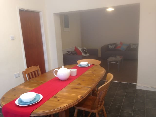 4 Lovely Furnished Rooms in a House in Horfield - Bristol
