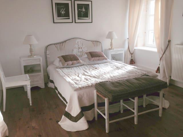 Les Chambres claires - Saint-Loup-de-Varennes - Ev