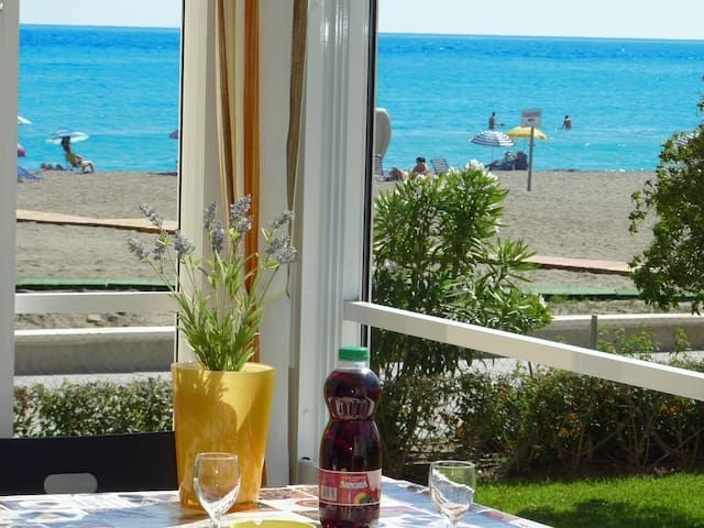 "CAPRI-C104 LOFT ""Feet on the beach"" WIFI NERJA"
