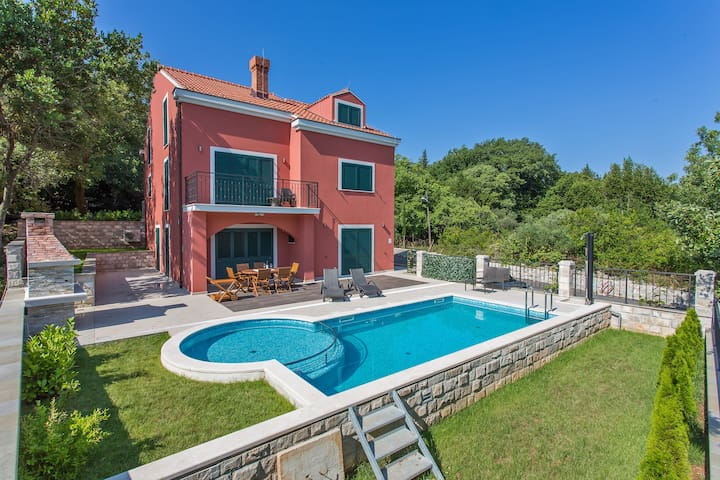 Six Bedroom Villa with Private Pool & Terrace - Gruda - Villa