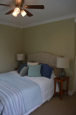 Bedroom 3 W/ Queen Bed and Smart TV and Ceiling fan