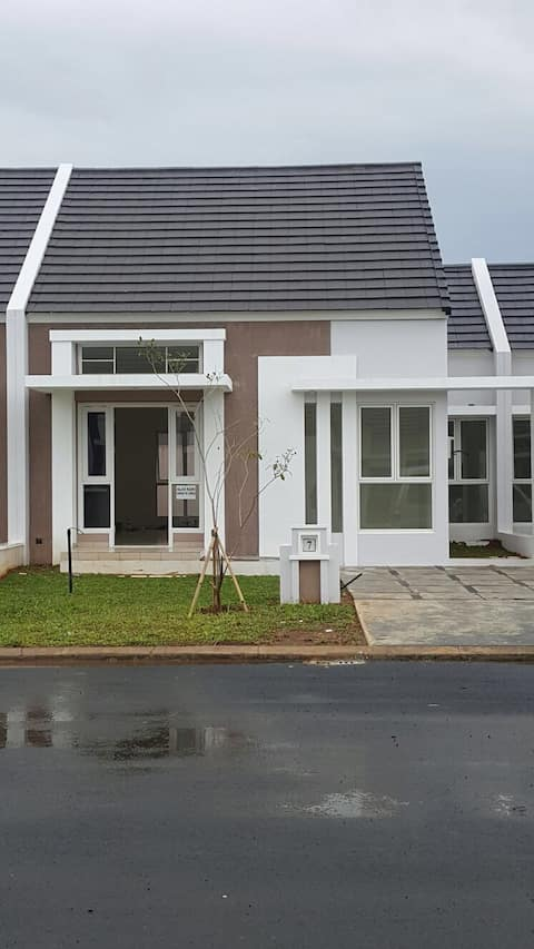 BRAND NEW HOUSE+CHEAP TOO! WITH AIR - CON&BED