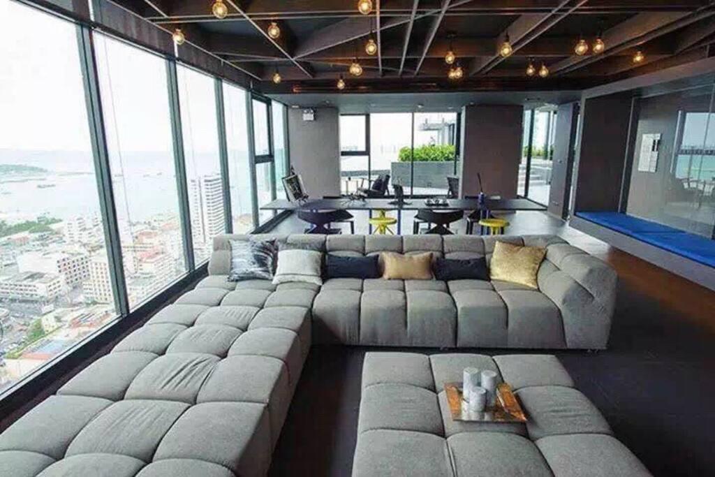 A栋楼顶休息室,海景市景一目了然!