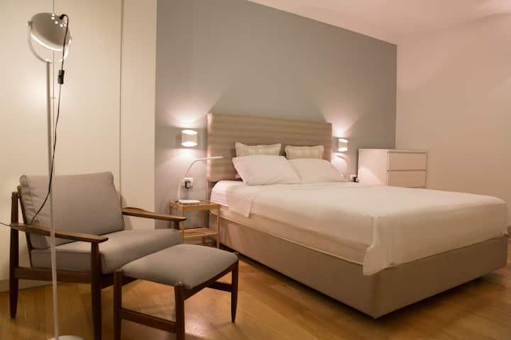 Luxury apartment near Kikar Ha Medina