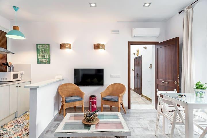 Modernes Apartment in bester Lage mit Klimaanlage & Terrasse