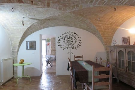 Casa Chiara  :   maison typique des Abruzzes - Hus