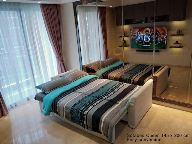 Quick & spacious sofabed Gold Coast Apartment PIK