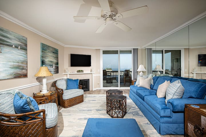 West-facing Panoramic Ocean-View Single Story at North Coast Village!