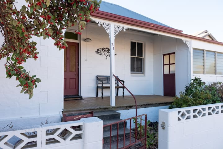 White Corner Cottage - quality 1900s Rylstone home
