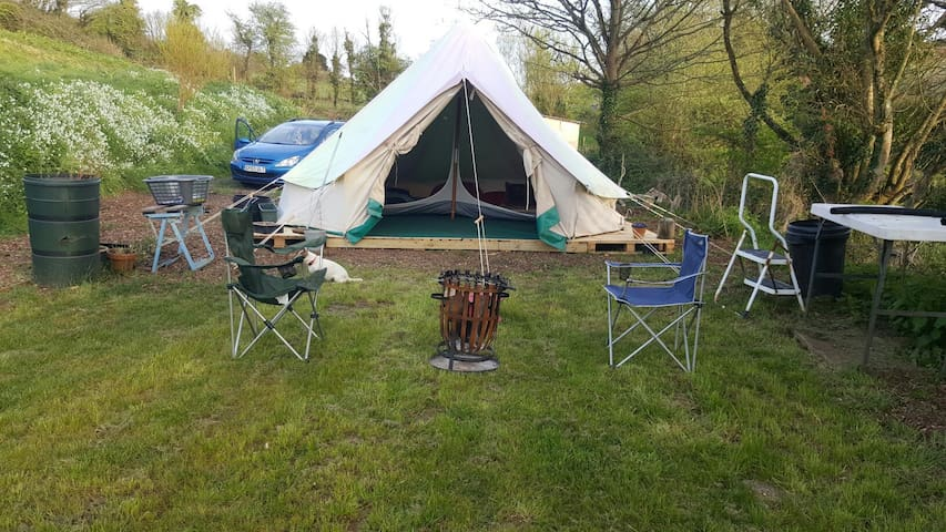 5m bell tent inc beds x6 - Cawsand - Tent