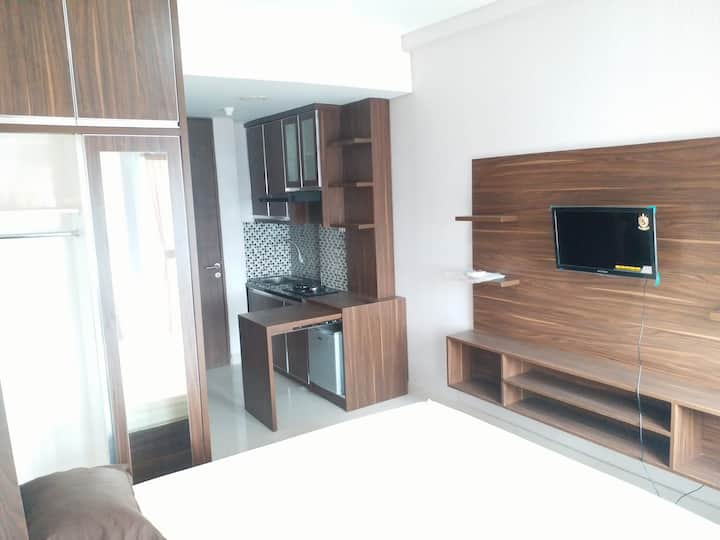 studio furnish grand icon caman Bekasi