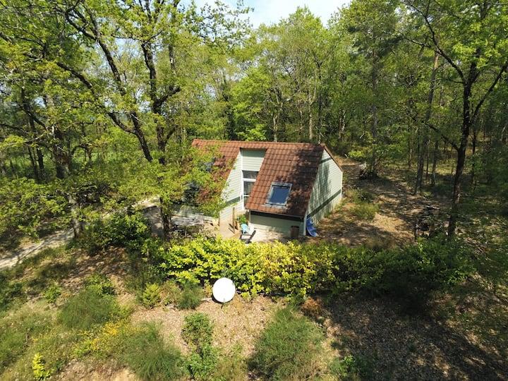 Le joli coin de Corrèze- maison- piscine chauffée