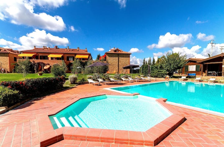 MUGHETTO, 2 bedrooms apartment with swimming pool