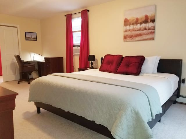 NYC EWR CLOSE/KING STE2 *4KTV* FASTWIFI | LAUNDRY