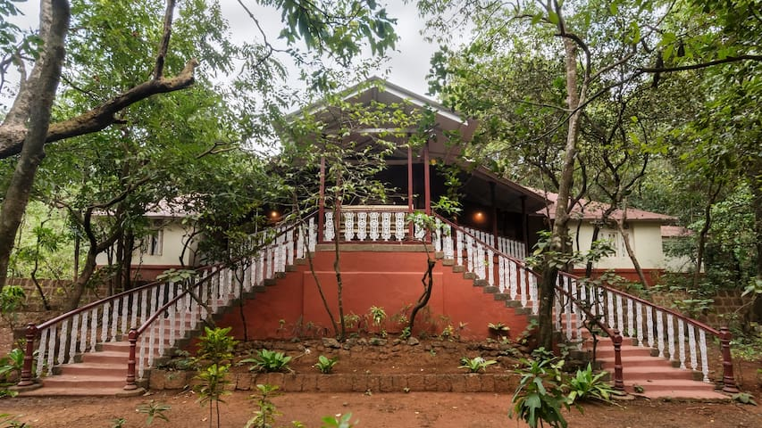 Parsi Manor at Matheran, Deluxe Room - Matheran - Bungaló