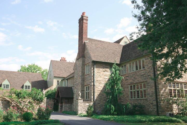 10,000+ Sq. Ft. Historic Brasenhill Mansion