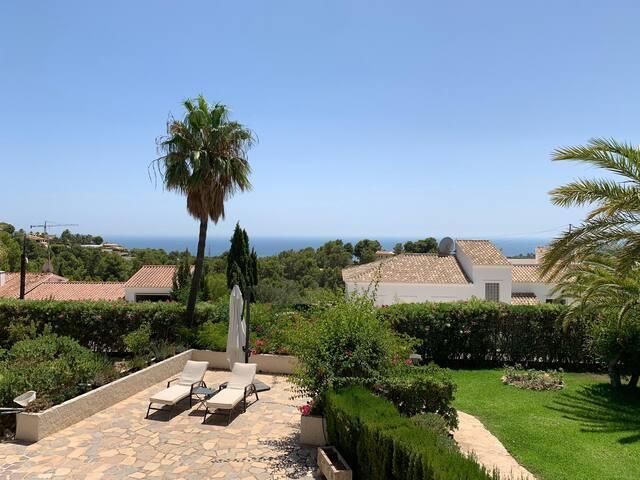 Beautiful Peaceful Villa w Breathtaking Sea Views