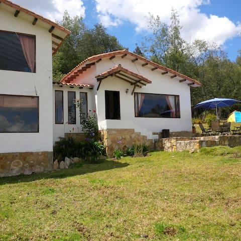 Casa-Finca en Guatavita (Vereda Tominé de Indios) - Guatavita - Hus