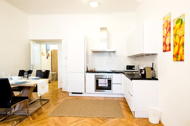 Restful living near city center and Prater