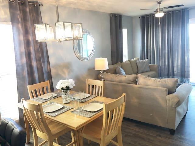 Stunning Oceanfront 3 Bedroom Villa! Sleeps 10+