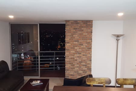 3-Bedroom Apt near Metro station - Medellín - Appartamento