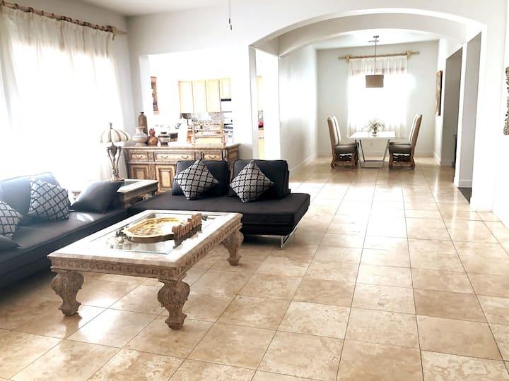 Cozy Single Story Home 3Bedrooms /3 full bath