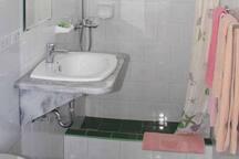 Baño de la 3ra habitación.