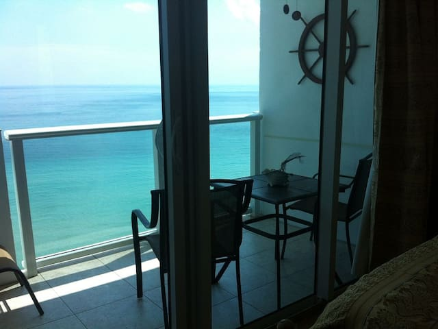 Miami Beach ocean view apartment - North Bay Village - Apartment