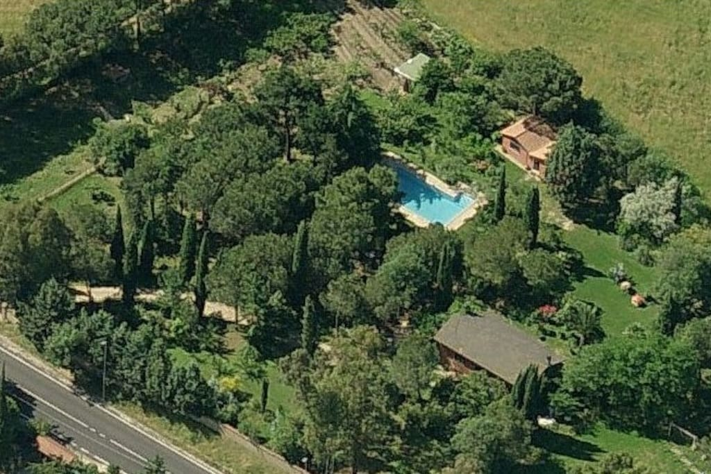 ROME COTTAGE AERIAL VIEW