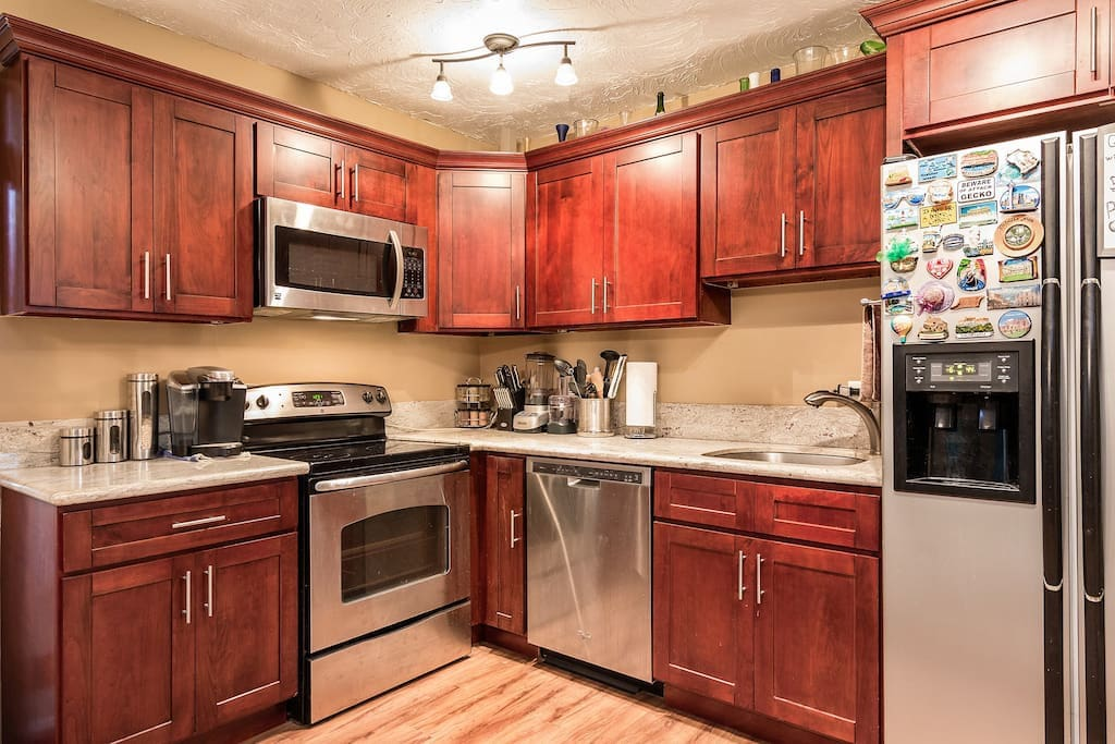 Fabulous 1 Bedroom In The Heart Of Waikiki Apartments