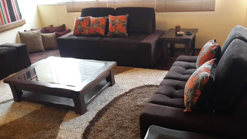 Miraflores ❤ Kennedy Park Apartment