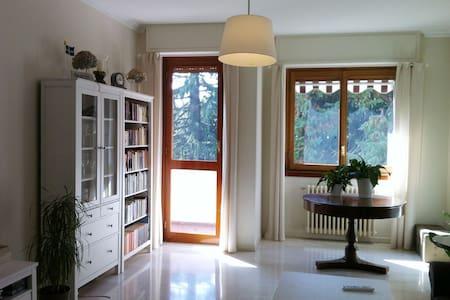 Stanza in appartamento Casatenovo - Casatenovo