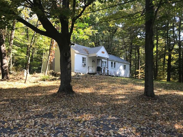 Hudson Cottage - Monroe, NY