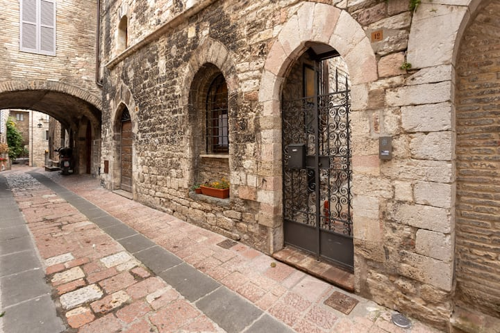 "Casa ""Alcentro"" in red: the most authentic Assisi!"