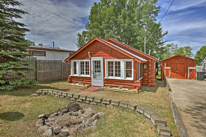 Rustic Cabin Steps to Houghton Lake & Boat Launch!