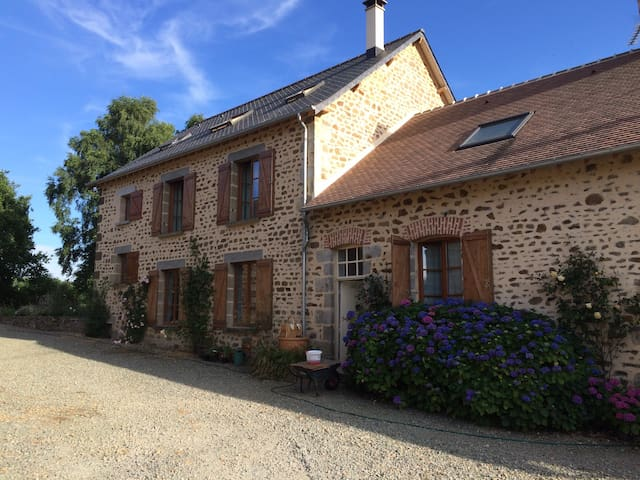 Plenty of space in lovely Normandy - Ceaucé - House