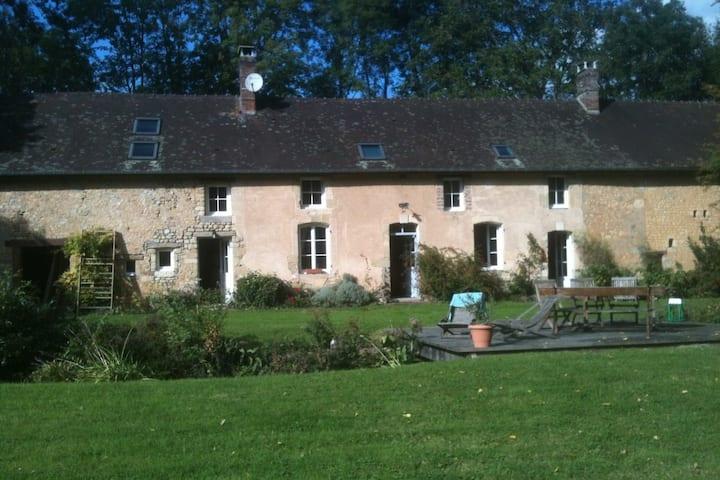 Grande maison tout confort à la campagne