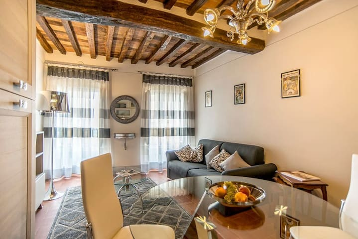 5 Star Apartment in Centre of Cortona