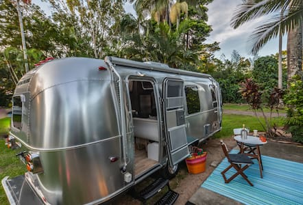 Space Capsule for 2 @ Mission Beach - Camper/RV