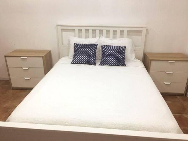 Private Room+Private bath+AC+TV+WIFI+extras_2