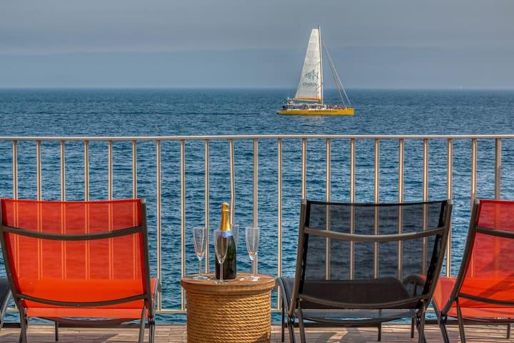 Meravela - Les pieds dans l'eau à Collioure