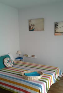 Dazzling room in painters´s house. - Layos