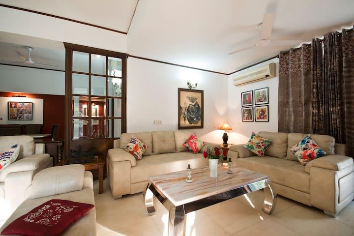 Monument Facing Garden House: Heritage Room - New Delhi - Hus