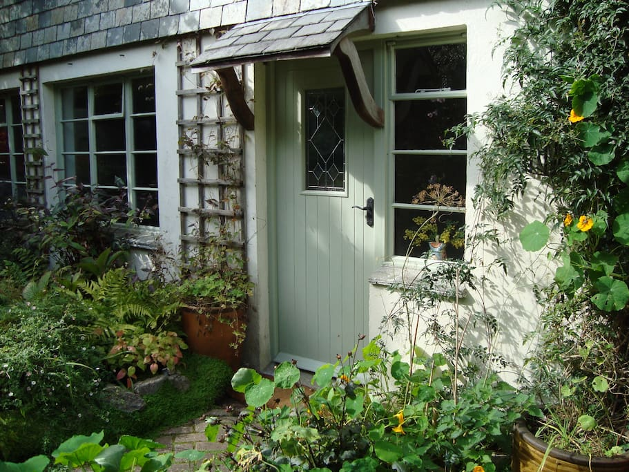 guests' front door